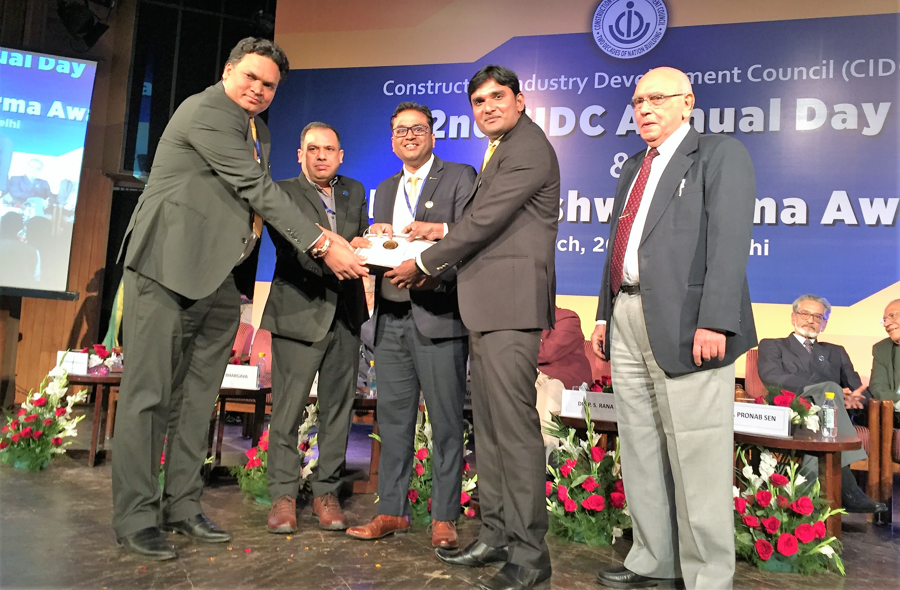 CIDC-Viswakarma-Award-for-Best-practices-in-Health-safety-and-Environment-at-LT-Delhi-Site-07th-March-2018.jpg#asset:681