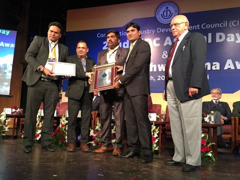 Safety Team accepting Vishwakarma Award
